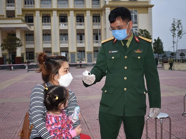 Hơn 1.800 người cách ly ở Hà Nội được về nhà