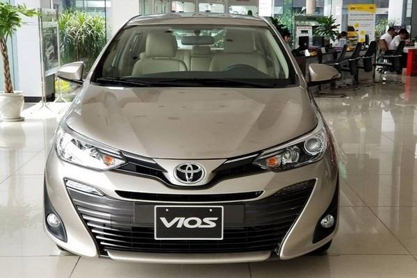 10 xe hot nhất tháng 2: Toyota Vios tăng mạnh, Xpander dậm chân tại chỗ