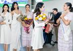 Hoàng Thuỳ tặng khẩu trang cho Hoa hậu Siêu quốc gia tại sân bay
