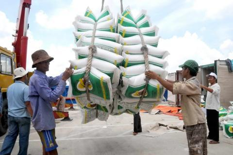 Vietnam overtakes Thailand in rice exports
