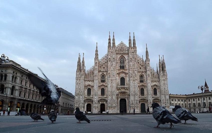 Hơn 460 người chết, đường phố Italia hoang vắng do lệnh phong toả chưa từng có