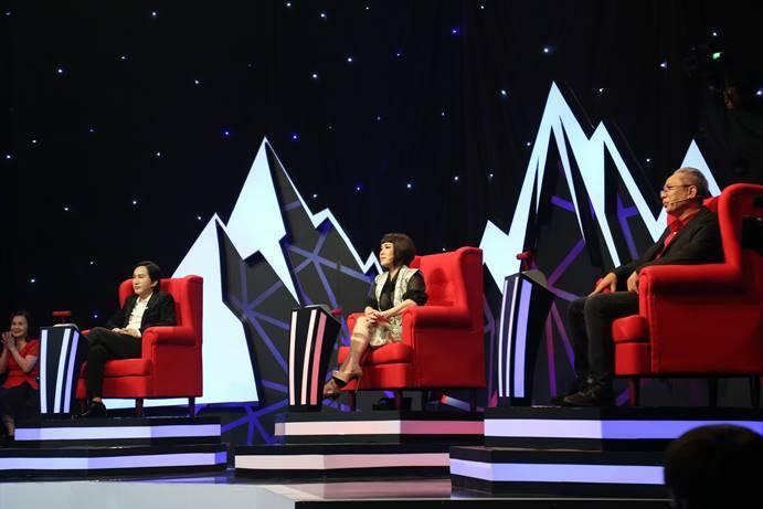 Lê Dương Bảo Lâm bỏ tiền thuê thầy riêng học làm MC
