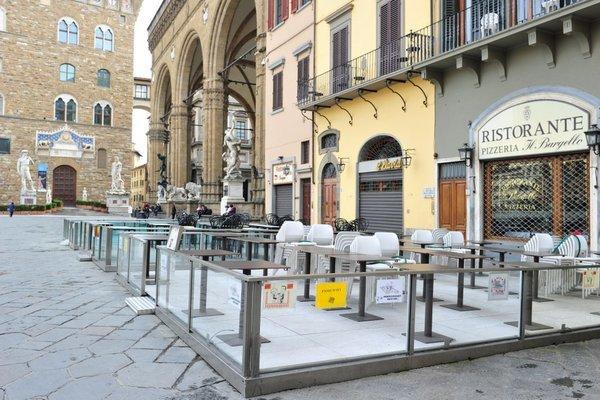 Khung cảnh vắng lặng tại nhiều vùng Italia trong thời dịch