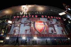 Hoãn trận Man City vs Arsenal, các Pháo thủ nguy cơ nhiễm Covid-19