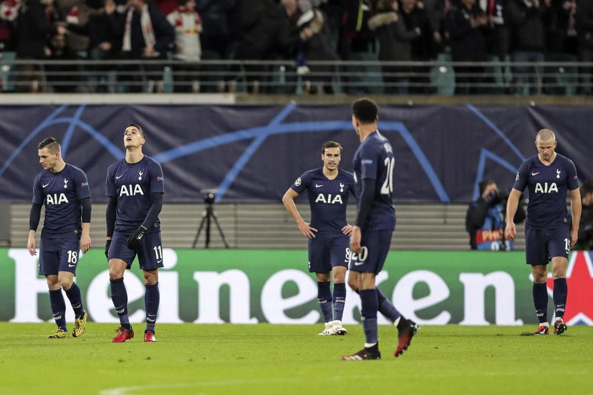 Mourinho lại đổ lỗi học trò: Tottenham hối hận cũng muộn