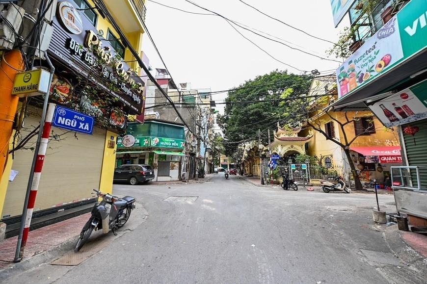 Hanoi streets deserted amid fears of COVID-19