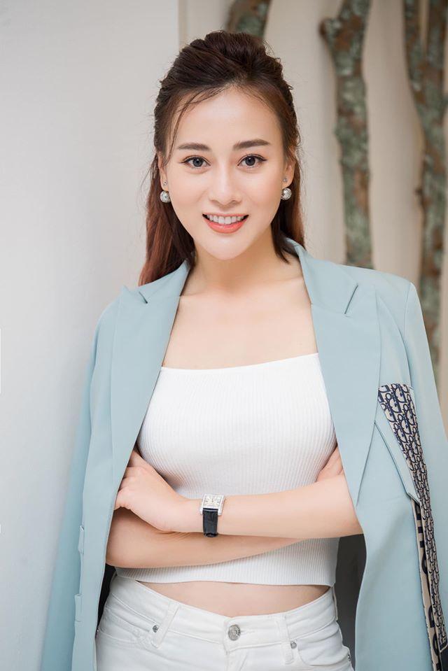 Yêu doanh nhân hơn 2 tuổi, Phương Oanh sẽ dừng đóng phim?