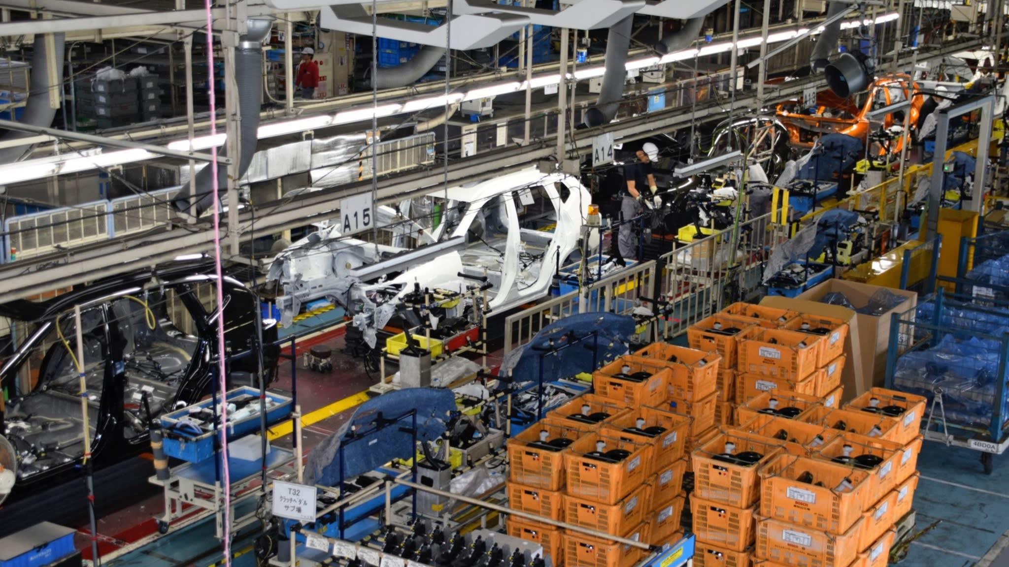 Nhiều hãng ô tô đóng cửa nhà máy ở Ý và Tây Ban Nha vì Covid-19