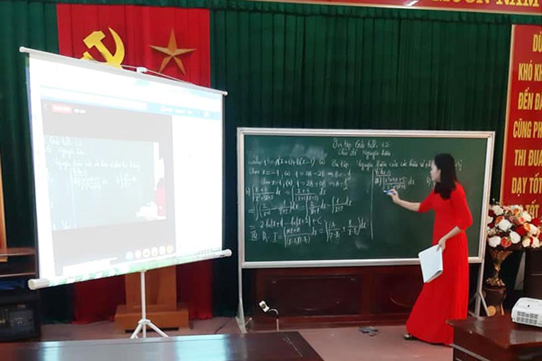 Thầy trò Nghệ An háo hức học trực tuyến