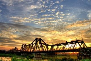 City walk from Hoe Nhai Street to Long Bien Bridge
