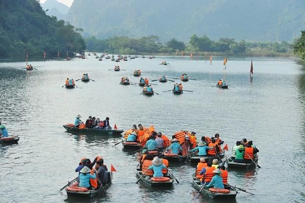 Localities temporarily shut tourist sites to curb coronavirus spread