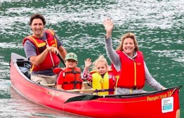 Nhan sắc rạng ngời của phu nhân Thủ tướng Canada