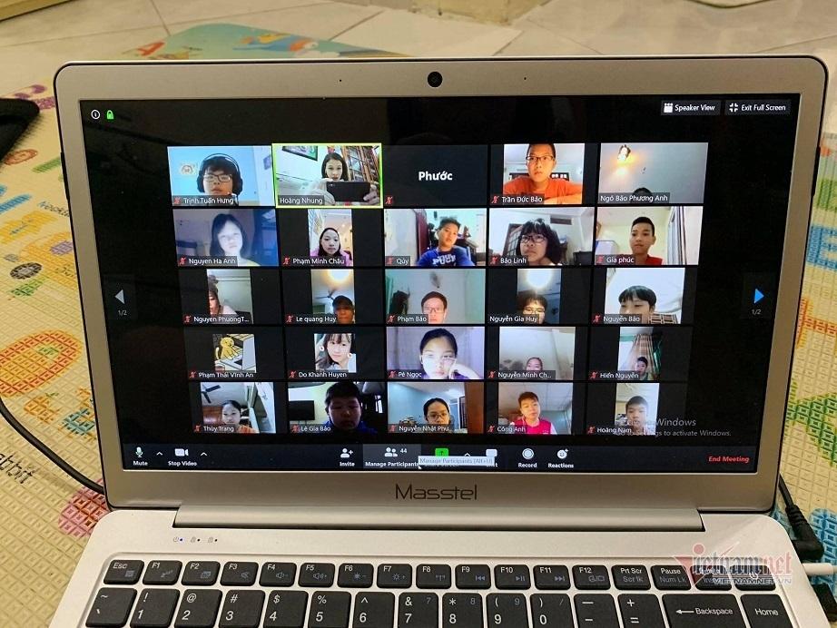 Hà Nội yêu cầu các trường không được thu phí dạy học trực tuyến