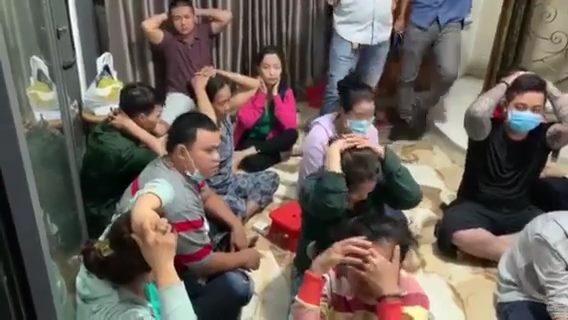 Phá sòng bạc hàng chục tay chơi ở Sài Gòn, thu 2 khẩu súng đầy đạn