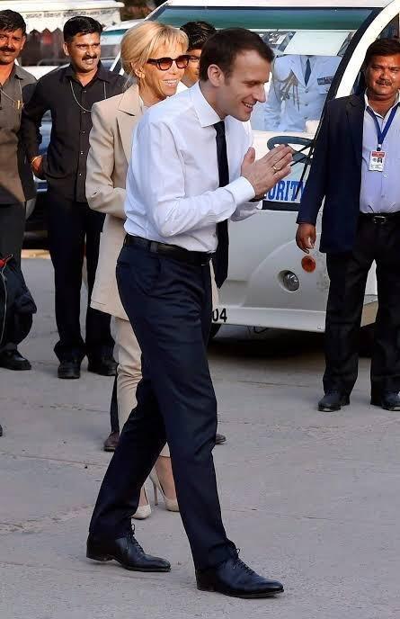 Tránh Covid-19, ông Trump chào kiểu Ấn Độ thay cho bắt tay