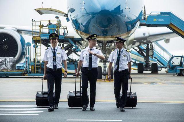 200 pilots at Vietnam Airlines lose flight hours
