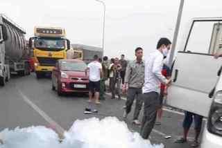 Lật xe chở phạm nhân ở Ninh Bình, đại úy công an tử vong