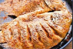 Cách làm cá nướng muối cay trong chín ngoài giòn