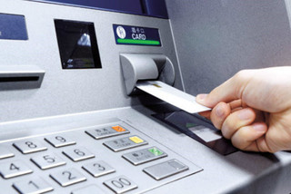 Tiếp tục giảm 50% phí chuyển tiền nhanh liên ngân hàng