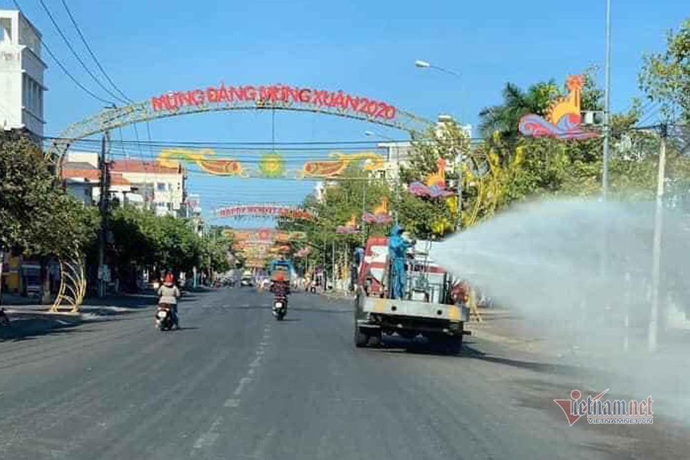 Khử trùng toàn thành phố Phan Thiết, dừng hoạt động ca hát