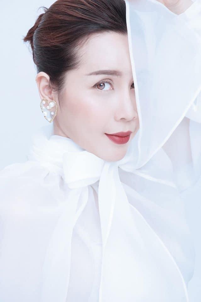 Nhan sắc xinh đẹp khó tin của Lưu Hương Giang sau khi 'dao kéo'