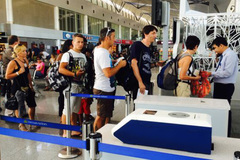 Việt Nam xem xét dừng visa du lịch từ Mỹ