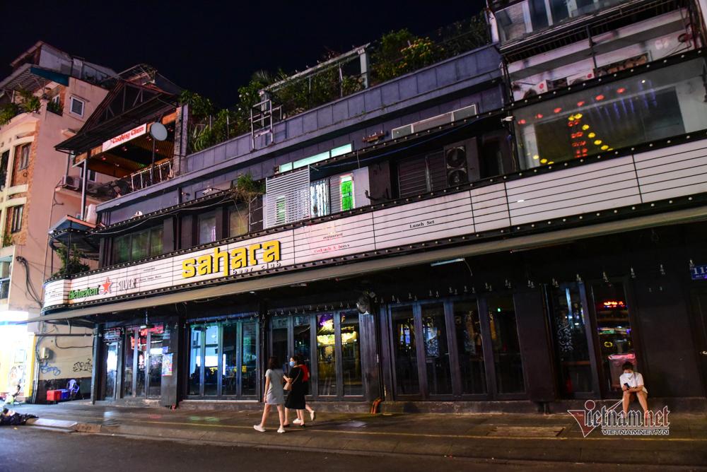 Hàng quán phố Tây Bùi Viện đóng cửa phòng dịch Covid-19
