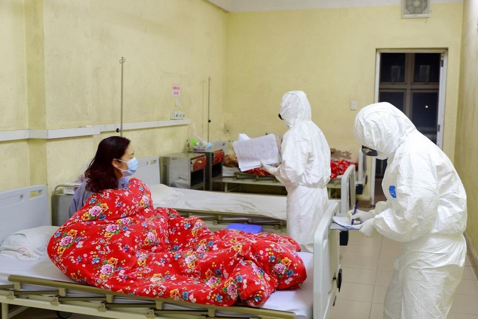 6 người tiếp xúc gần với bệnh nhân số 52 âm tính nCoV