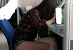 Cô gái Trung Quốc mặc quần ngắn cũn đi làm gây bàn tán xôn xao