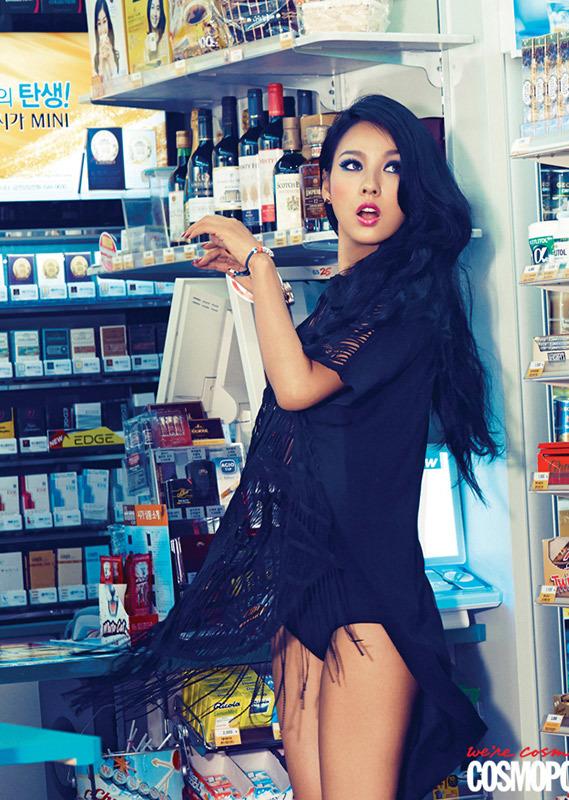 Lee Hyori - tượng đài sexy không đối thủ của showbiz Hàn Quốc