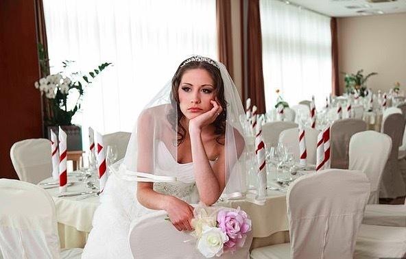 'Thế kẹt' của cô dâu thời dịch Covid-19