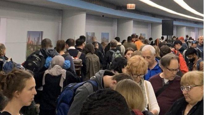 Coronavirus: US airports in disarray over screening