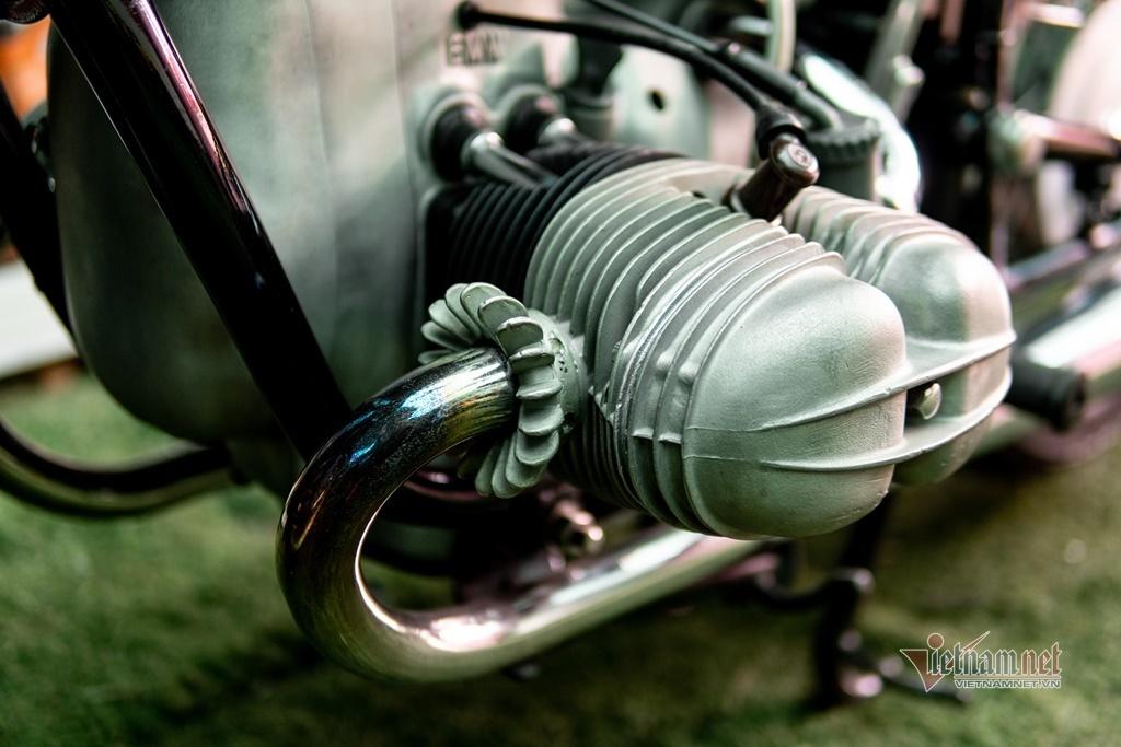 Mô tô cổ BMW R69s 50 năm tuổi giá trăm triệu của dân chơi Sài Gòn