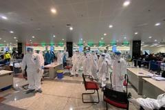 Hà Nội huy động 90 y, bác sĩ làm xét nghiệm nhanh tại sân bay Nội Bài