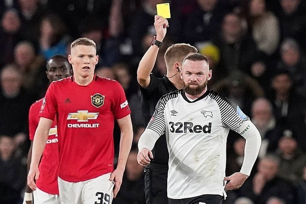 Rooney chỉ trích nước Anh, Premier League chậm trễ đối phó Covid-19