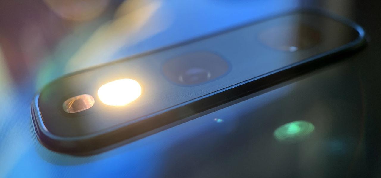 Cách bật nhanh đèn pin trên hệ điều hành Android 10