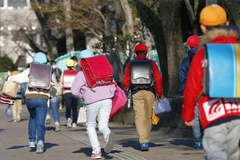 Trường tiểu học và trung học Nhật Bản bắt đầu mở cửa trở lại