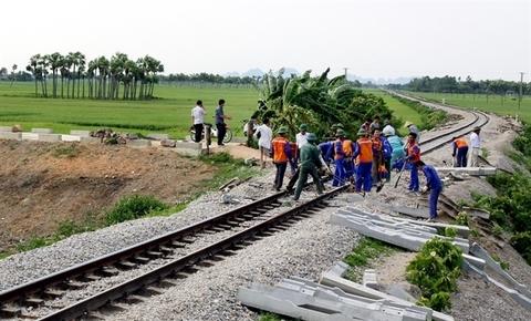 Vietnam plans to develop railway industry