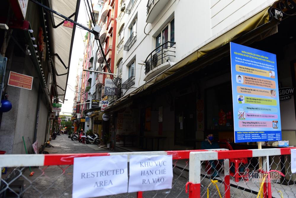 Hẻm phố Tây Sài Gòn hạn chế ra vào vì có người nhiễm Covid-19