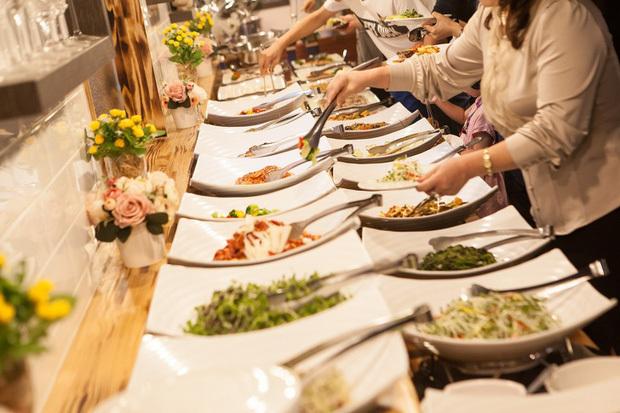 Khách ăn thoải mái vẫn lãi to, mẹo riêng giấu kín của hàng buffet