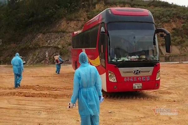 Cách ly 45 người trên xe khách từ Thái Lan về, 1 người bị sốt