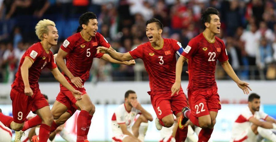 """Tuyển Việt Nam """"ôm"""" cả World Cup, AFF Cup: Vì đâu thầy Park tự tin?"""