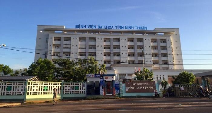 Bệnh nhân thứ 61 dự đám cưới, Ninh Thuận họp khẩn