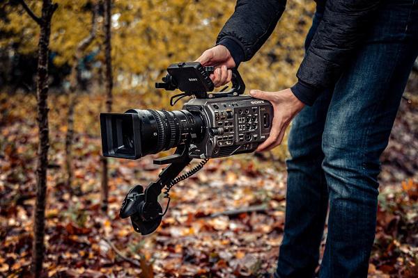 Sony PXW-FX9 - đạt chuẩn 'cận máy quay điện ảnh'