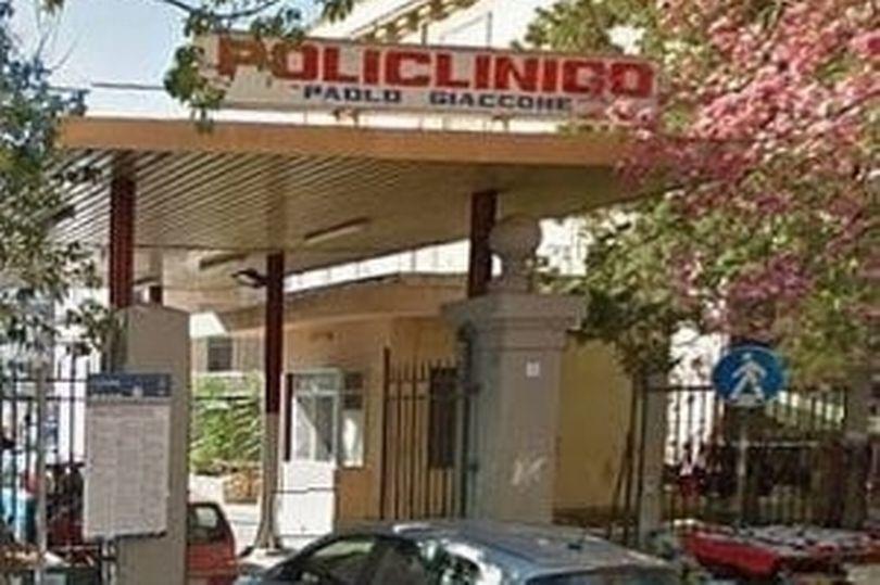 Y bác sĩ chữa trị cho bệnh nhân Covid-19 ở Italia bị 'chôm đồ'