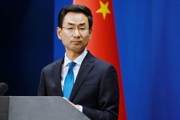 Ông Trump liên tục gọi Covid-19 là 'Virus Trung Quốc', Bắc Kinh giận dữ đáp trả