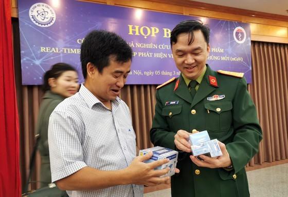 How did Vietnam develop its SARS-CoV-2 test kits?