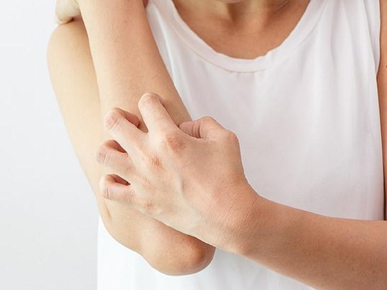 3 dấu hiệu trên cơ thể cảnh báo suy thận