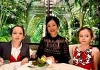 Hồng Nhung đón tuổi 50 bên hai con, khán giả khen quá trẻ