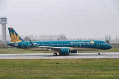 Vietnam Airlines suspends flights to Russia, Taiwan